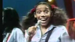 Sister Sledge Love Don 39 T Go Through No Changes On Me Soul Train Avi