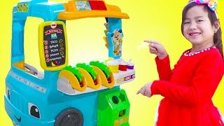 Download Song Jannie Pretend Play with Fun Food Truck Toy Free StafaMp3