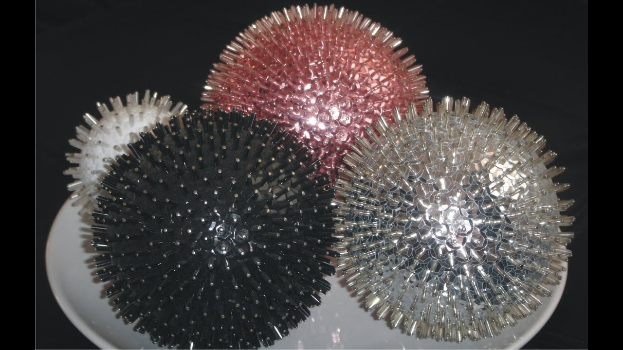 Diy esfera navide a decorativa adorno de mesa o colgante for Como hacer decoraciones navidenas