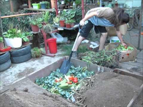 Construccion de camas altas huerta urbana en for Huerta de aromaticas en macetas