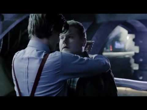 DOCTOR WHO (Matt Smith) kisses a guy on CAMERA!!