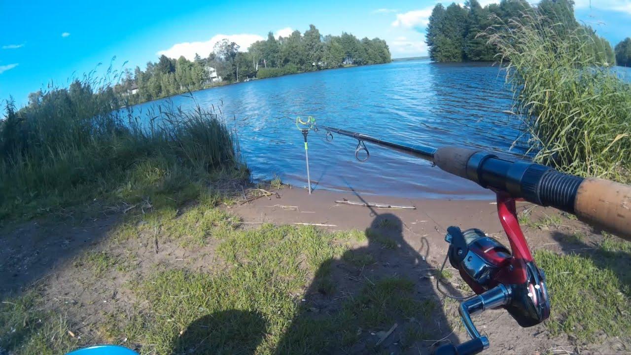 на что ловить на озере разлив