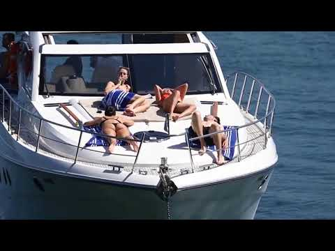 Selena Gomez Wearing Bikini On A Boat In Sydney Harbour thumbnail