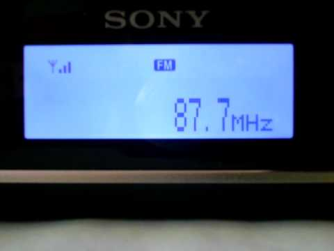 @JassyNL: RUV 87,7 MHz (filmed at same time)