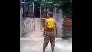 Khi các cụ đánh nhau vì 1 đôi dép