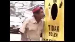 Video Lucu Dilarang Melihat Kedalam Berbahaya Bikin Ngakak Lucu Abis