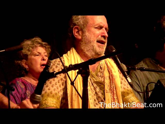 Shyamdas Sri Radhe @ Omega Chant 2011