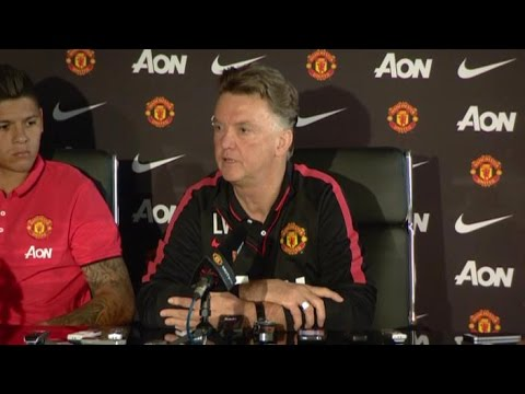 Manchester United - Louis van Gaal Says He's Gone From 'King To Devil' In Just 2 Weeks