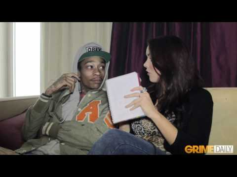 Wiz Khalifa gets asked a gay question and reacts funny
