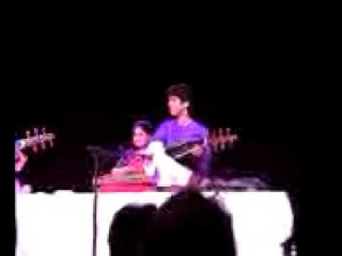Amjad Ali Khan, Ayaan Ali Khan and Zakir hussain tampa 1998 Video