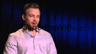 INTERVIEW - Max Thieriot on dealing with comments about h...