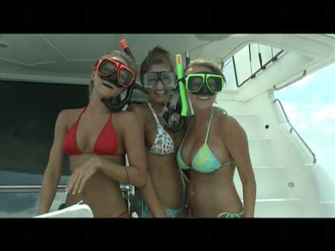 Im On A Boat: Girls in Bahamas