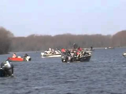 Red wing minnesota to lake pepin great walleye fishing for Mississippi out of state fishing license