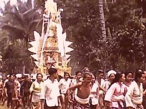 A Bali rural cremation ceremony in 1940