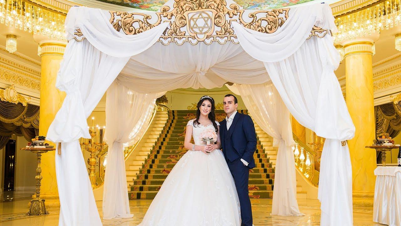 У кого была свадьба в сафисе 34