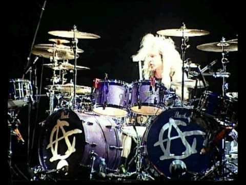 Eric Singer, Keri Kelli&Jason Hook - Awesome drum battle..mov