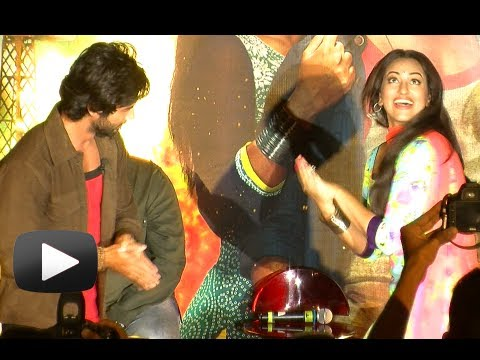 Shahid Kapoor, Sonakshi Sinha Dance Performance - Gandi Baat Song - R...Rajkumar Trailer Launch