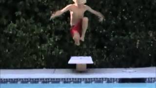 Boy jumps to the pool.wmv