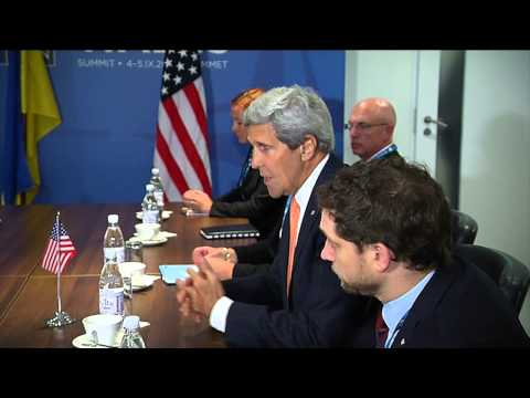 Poroshenko briefs Kerry about Ukraine's proposals for meeting in Minsk