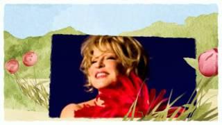 Watch Bette Midler Skylark video