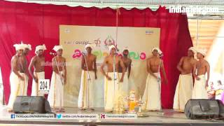 Participants performed vanchipattu on stage@ kalothsavam 2016
