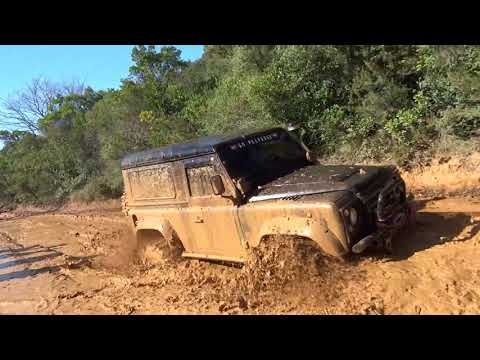 Land Rover Defender 90 300TDI - 37''  **Extreme Mud OFF ROAD**