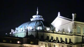 CRACOVIA E LO SPIRITO DEL NATALE  KRAKOW AND THE SPIRIT  OF CHRISTMAS