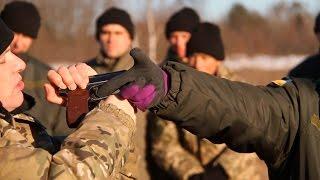 На полігоні під Житомиром Центр фізичної підготовки тренує десантників-новобранців - Житомир.info