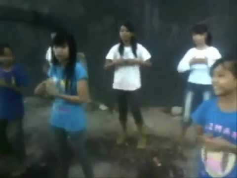 Hitam Putih - Lolipop (The Clever Perfoming)