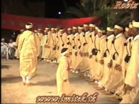 Clip video احواش فرقة ازوران طاطا باميتك 2010 ahwach izoran tata imitek - Musique Gratuite Muzikoo