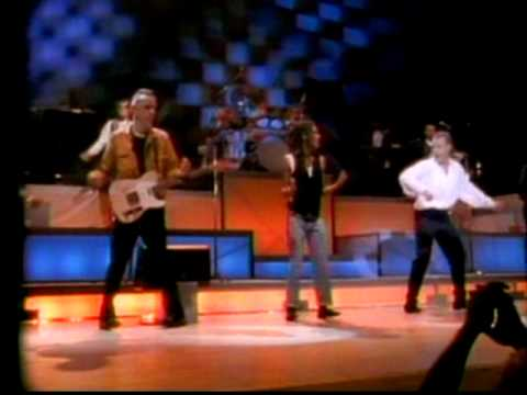 FINE YOUNG CANNIBALS LIVE - SHE DRIVES ME CRAZY 1989