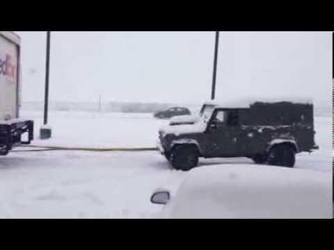 Land Rover rescues Fedex!