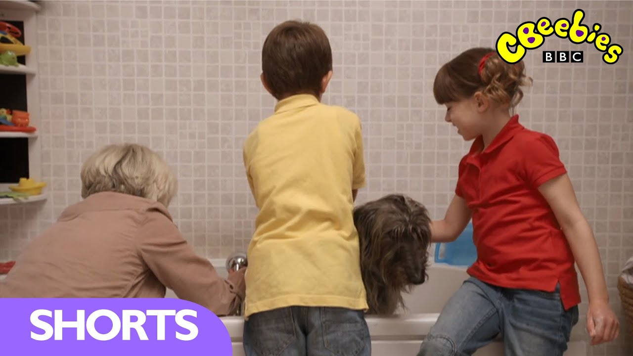 cbeebies topsy and tim series 2 washing mossy youtube. Black Bedroom Furniture Sets. Home Design Ideas