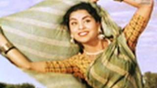 Ghunghat Nahin Kholoongi Saiyan (Video Song) | Mother India | Nargis | Sunil Dutt