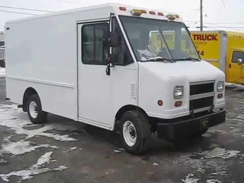 MVI 0473  Stock #5408 2004 Ford stepvan 11' of cargo area