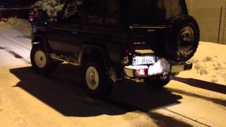 land rover defender VS toyota land cruiser