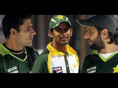 Cricket Fun: Afridi & Razzaq Funny Video in Pakistan, Shahid Afridi Funny Video