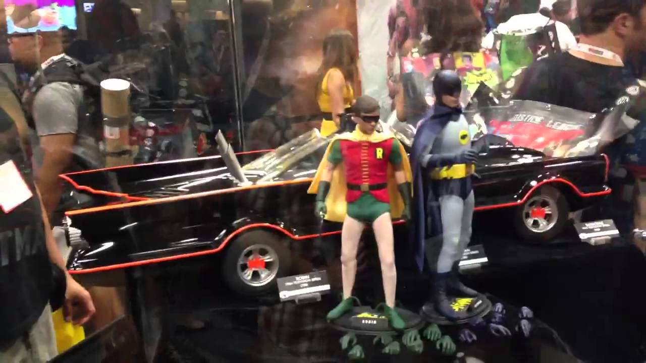 SDCC 2013 HOT TOYS BATMAN 1966 FEAT. WENDY AND JAY - YouTube