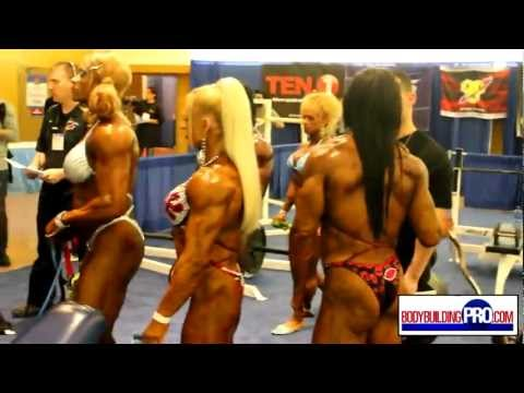 Female Bodybuilders Pump Room - 2013 Arnold video