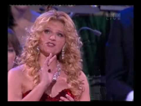 Mirusia Louwerse sings 'Botany Bay' -  Andre Rieu Tour, Melbourne 2008