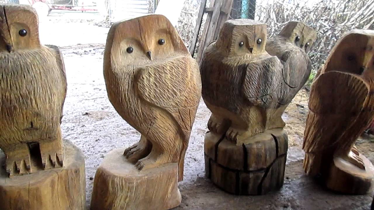 A chainsaw carving sussex wooden garden sculptures hand