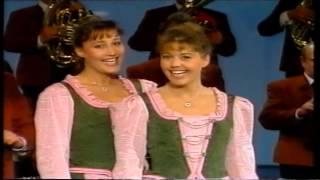 Gitti Und Erika - Aus Böhmen Kommt Die Musik
