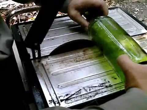 Cmo cortar botellas de vidrio con una dremel ehow en - Como cortar botellas de vidrio ...