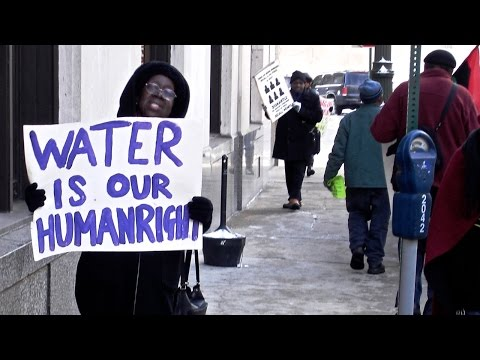 """Detroit Faces """"Humanitarian Crisis"""" as City Shuts Off Water Access for Thousands of Residents"""