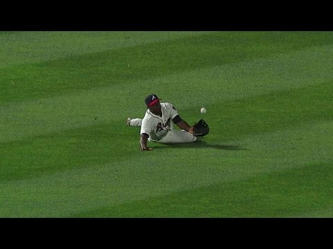 Justin Upton dives for fantastic run-saving catch June 16 2013