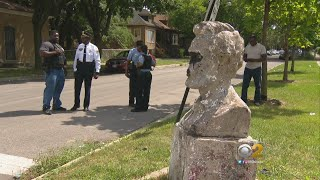 Chicago Negro Hoodrats Destroy Statue of Mass-Murdering Tyrant Lincoln On Their Turf