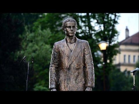 Statue to WW1 assassin unveiled in Belgrade