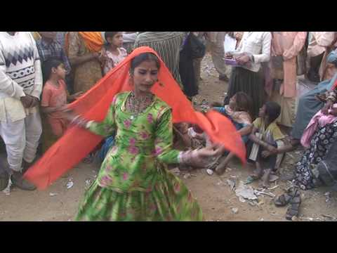 Pushkar Camel Fair, Rajasthan Gypsy (Kalbeliya)  Music and Dance (Anita and Family) Music Videos