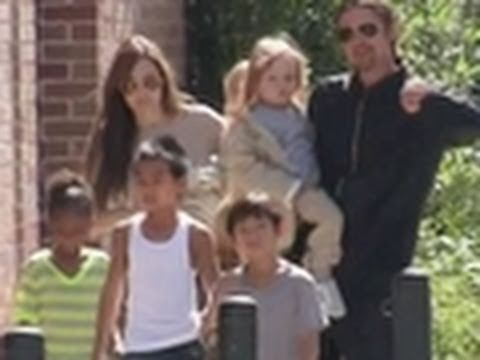 Brad Pitt-Jolie's Family Day Out