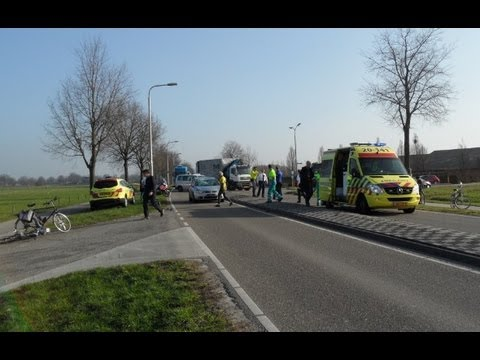 Ernstig Ongeval Auto VS Fietser Kreitenmolenstraat Udenhout 15-03-2012
